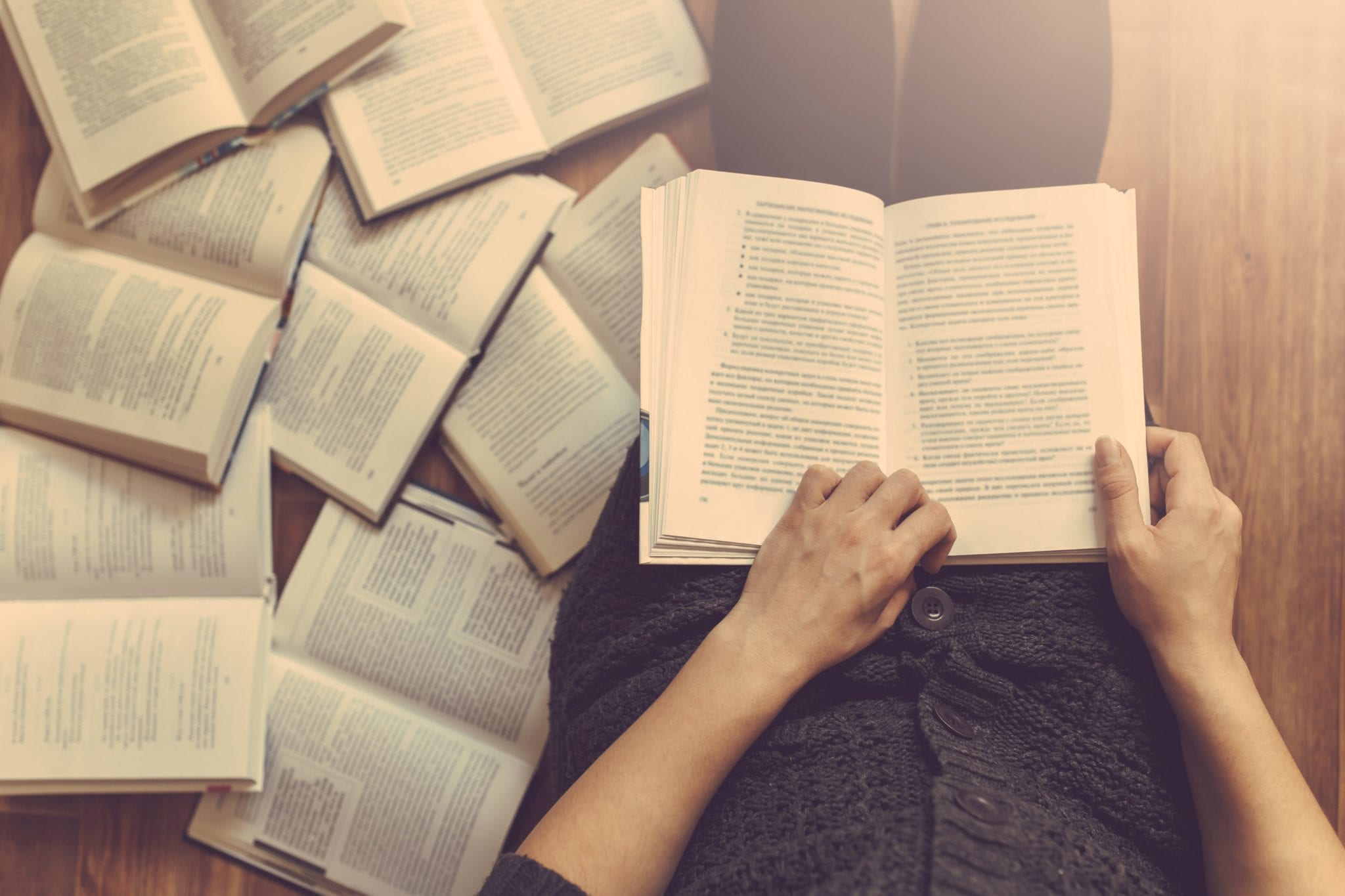 5 Books For Understanding Reading >> 5 Reasons To Make Reading More Books A Goal For 2018 Cypress Lawn